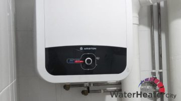 installation-ariston-storage-water-heater-city-singapore