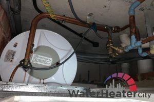 internal-pressure-causes-of-water-heater-leaks-ariston-water-heater-city-singapore