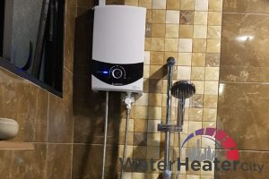 ariston-instant-heater-with-shower-ariston-instant-water-heater-services-water-heater-city-singapore-1