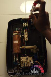 broken-thermostat-instant-water-heater-not-hot-water-heater-installation-water-heater-city-singapore